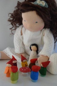 Poppelien dress up doll